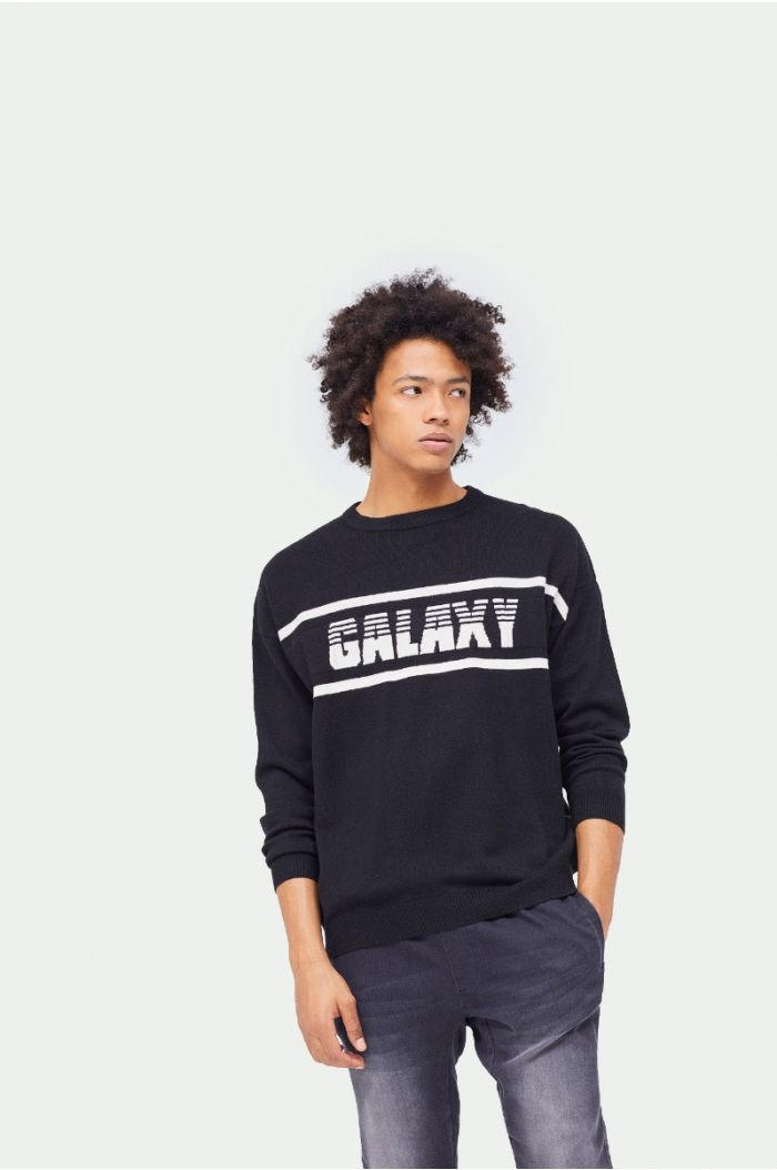 Knitted pullover with wording print