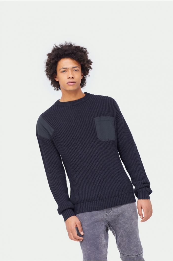 Contrast knitted pullover