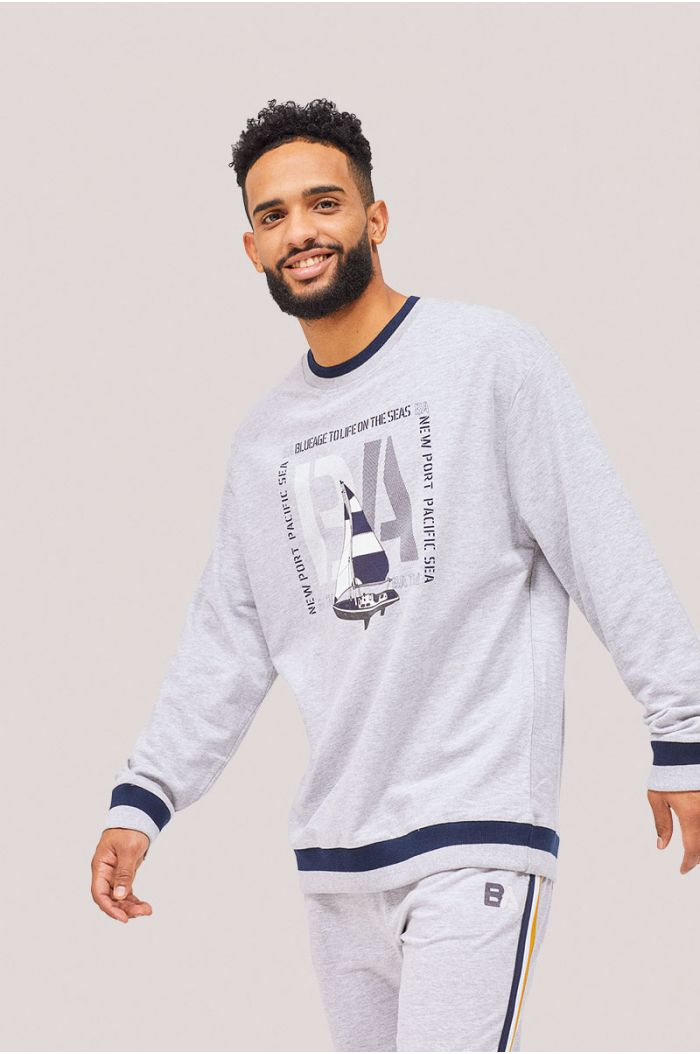 Sweatshirt with graphic and wording print