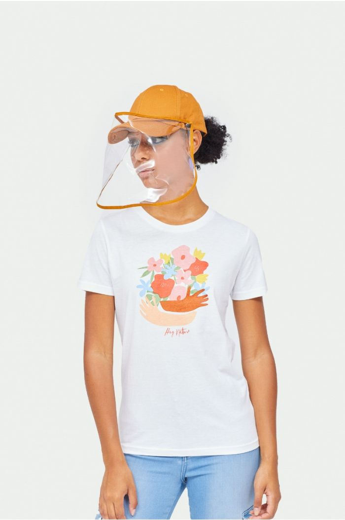 T-shirt with wording prints