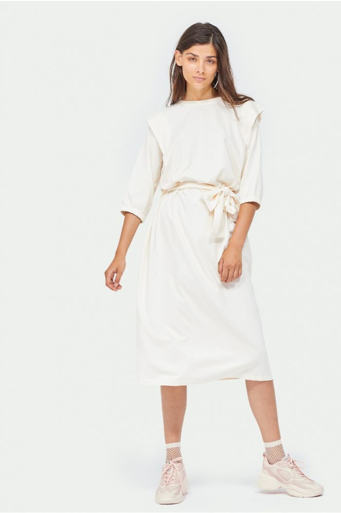 Midi dress with waist belt