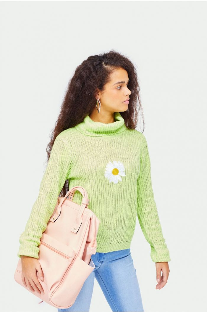 Knitted pullover with embroidery