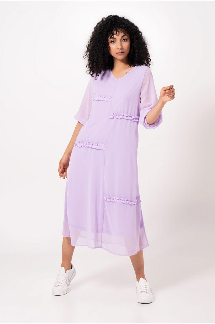 فستان ميدي فضفاض بنمط مربعات وكشكش
