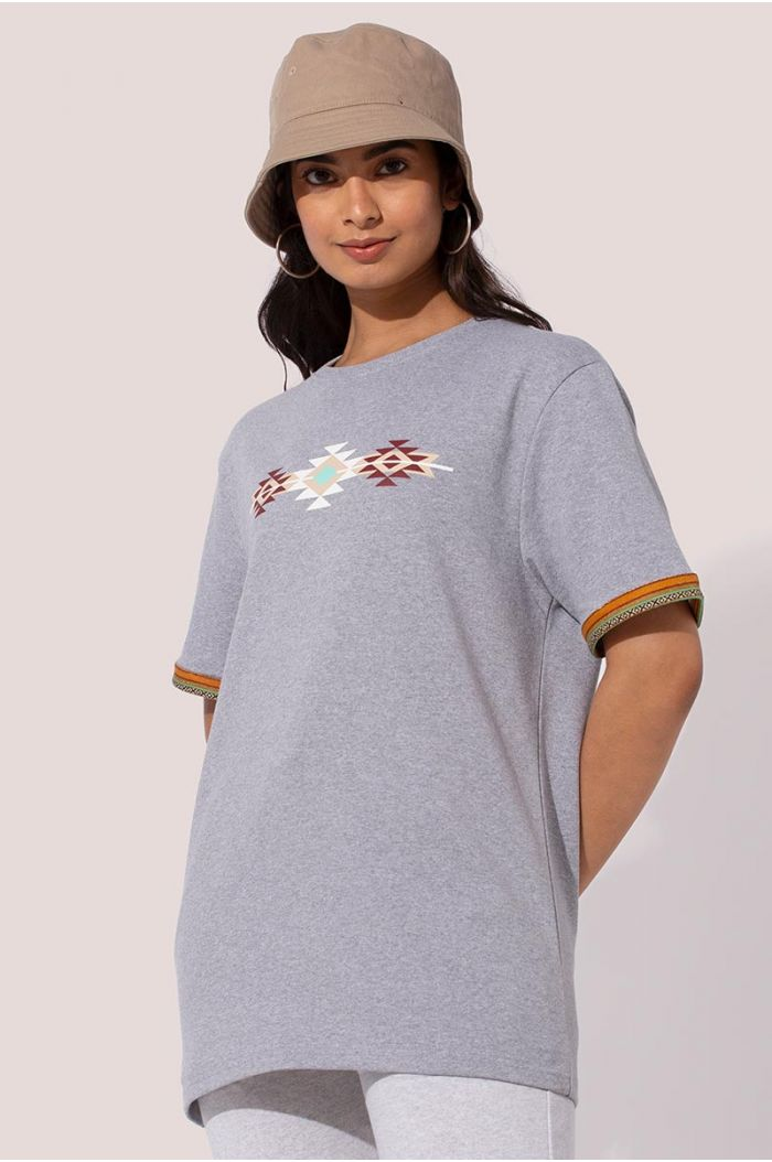 T-shirt with Sadu traditional weave